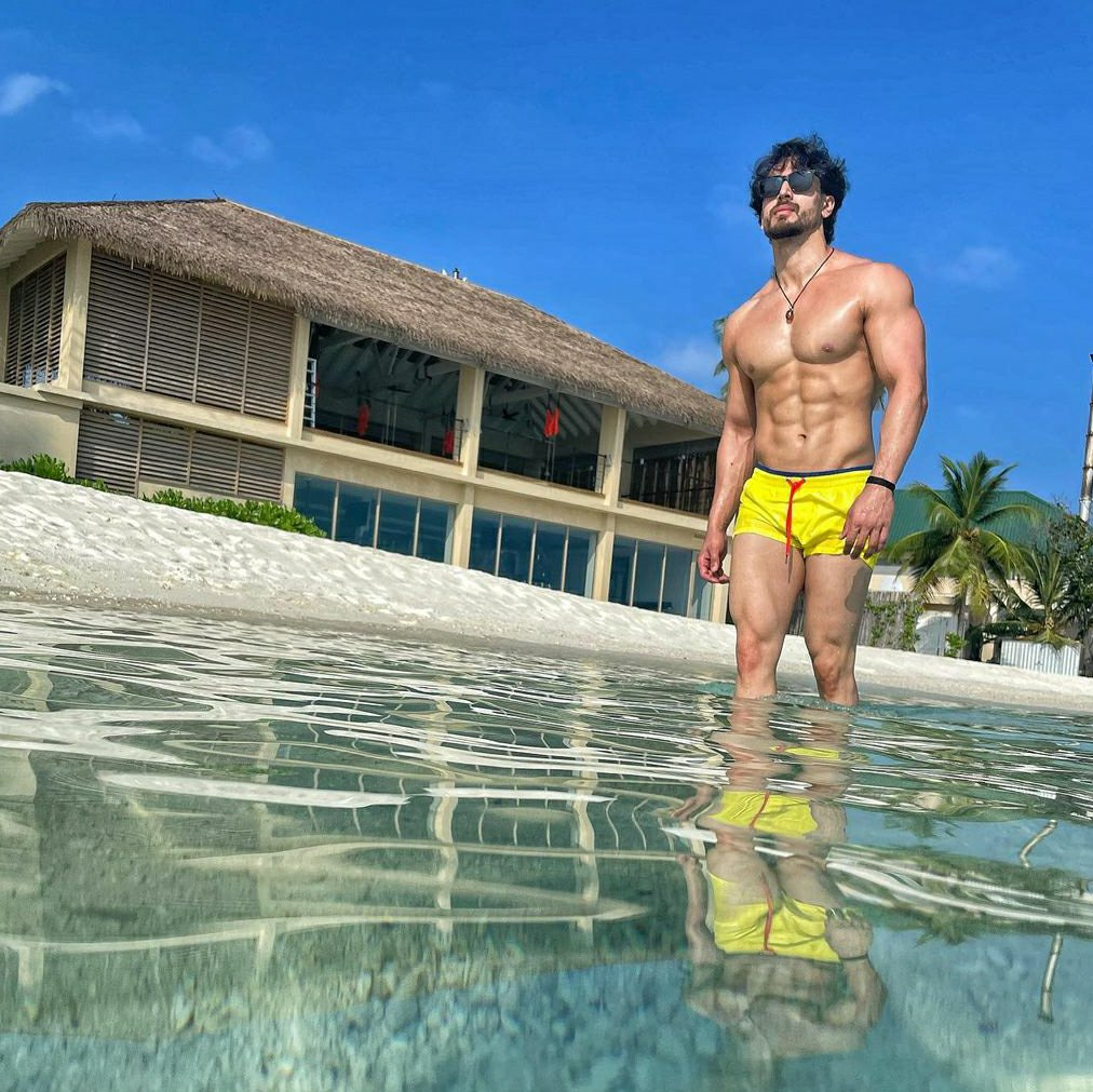 Bollywood actor Tiger Shroff Maldives pictures