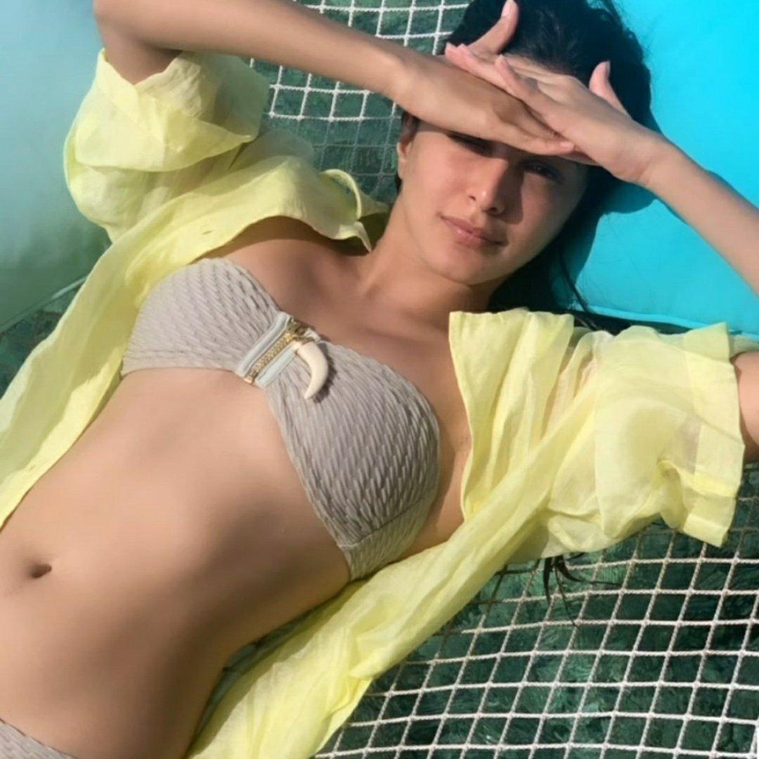 Bollywood actress Kiara Advani Maldives pictures