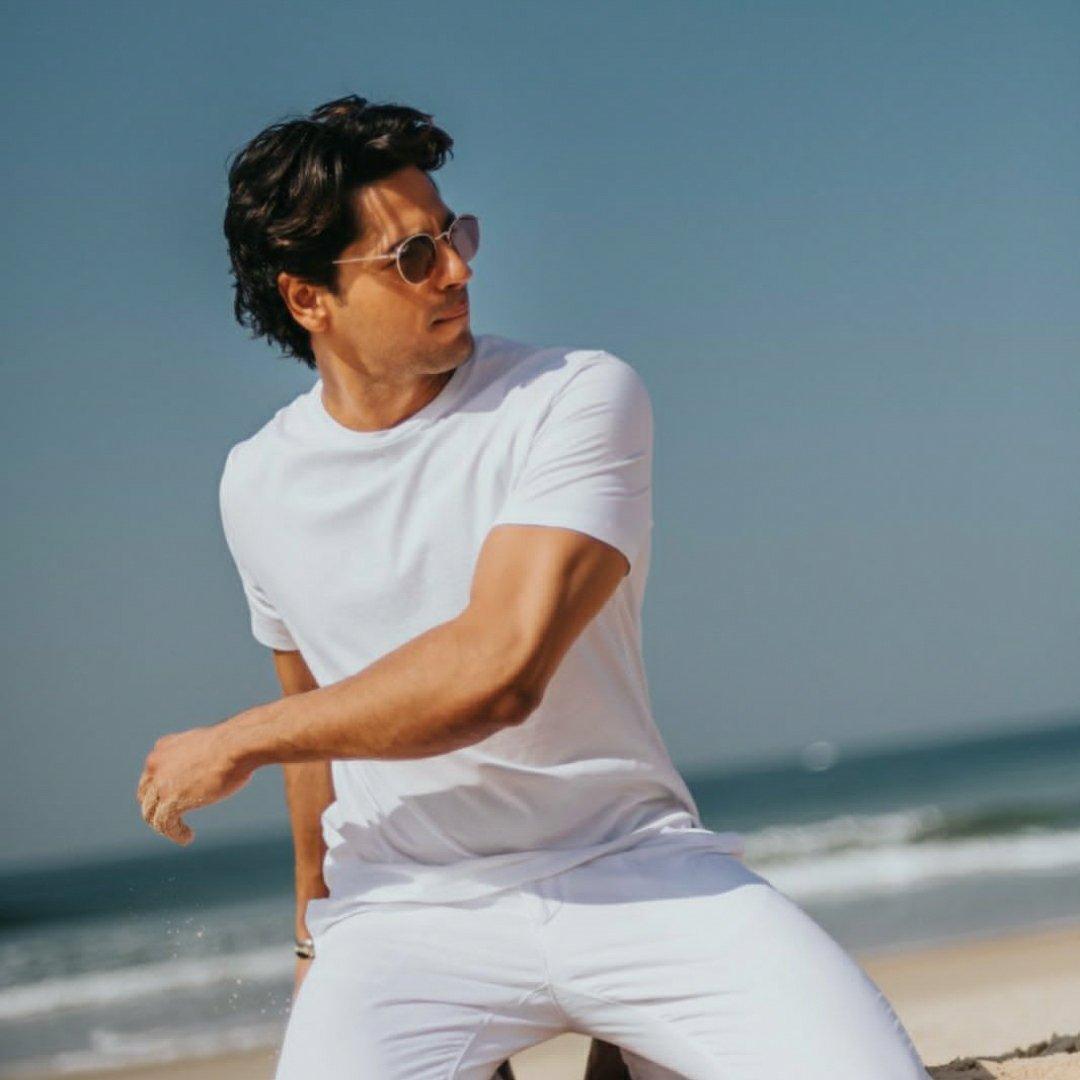 Bollywood actor Siddharth Malhotra Maldives pictures