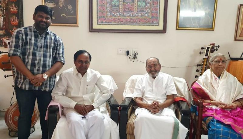 Sridhar Bollineni with KCR